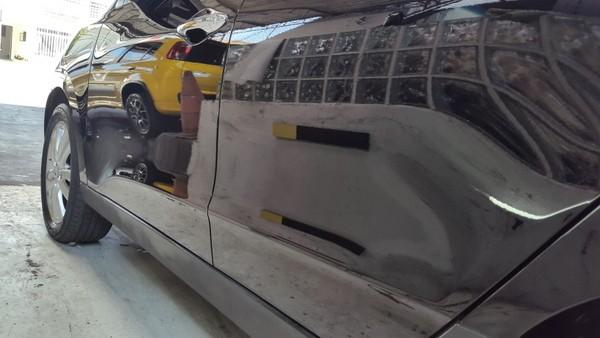 Enceramento de Carro na Vila Mazzei - Espelhamento de Pintura