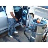 Lavagem a seco de carros na Vila Paulina