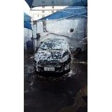 Limpeza de automóveis na Vila Zélia